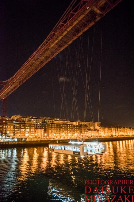 スペインの近未来的な吊り橋