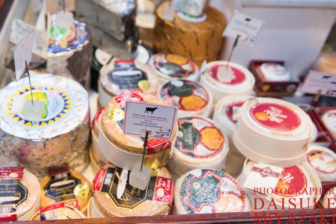 サンミゲル市場のチーズ売り場