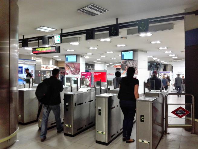 スペインの地下鉄の入り口