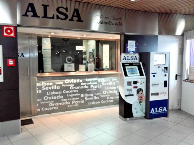 スペインの高速バス会社ALSAのチケット売り場