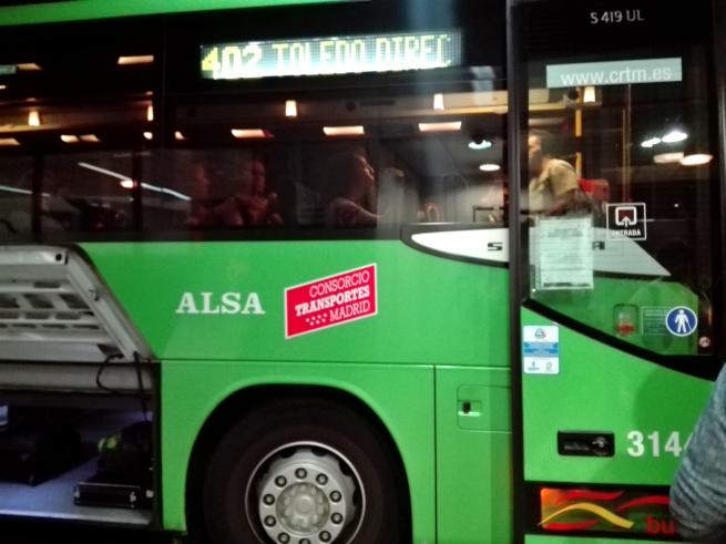 マドリードからトレドへ向かうバス