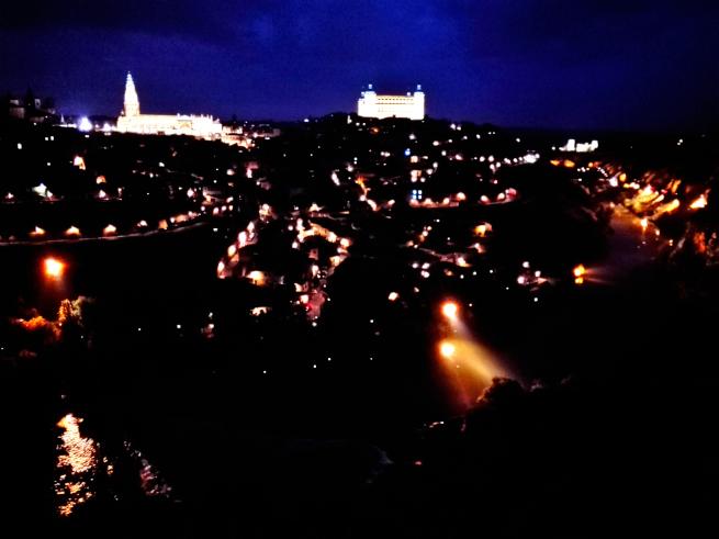 スマホで撮影したトレドの夜景