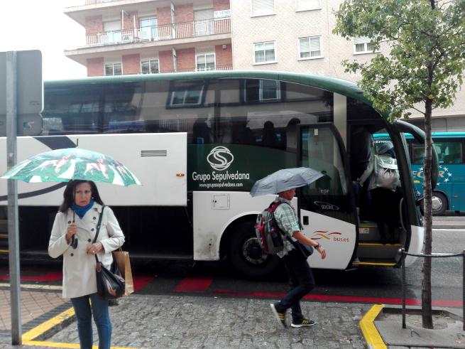 セゴビアに到着したバス