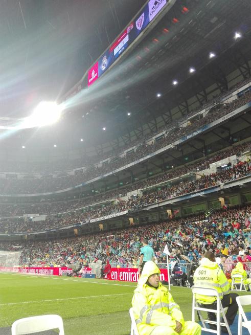 サンティアゴベルナベウでレアルマドリードの試合を観戦