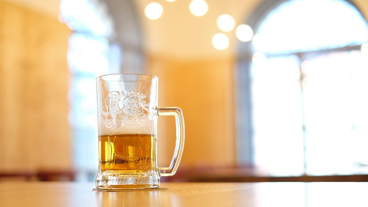 チェコのビールの注ぎ方とは?ピルゼンでガンブリヌスビールの工場見学