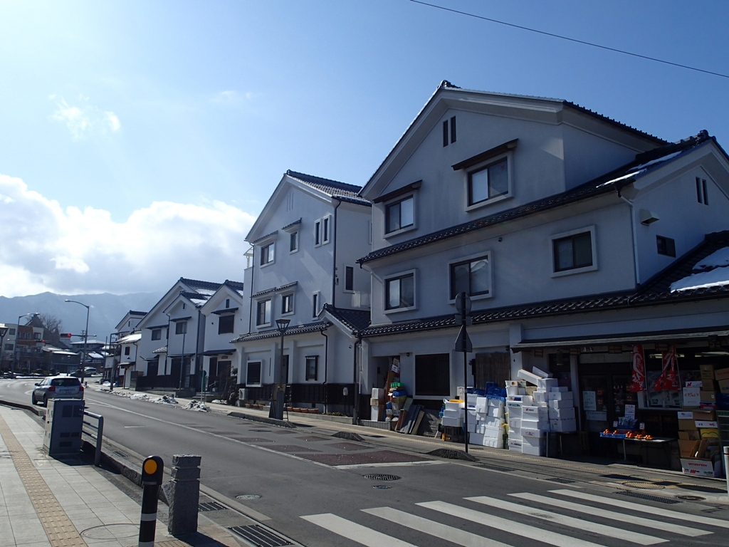 長野県須坂市を満喫!ゲストハウス蔵Kuraに泊まり、カフェLa Vie ...
