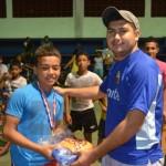 サッカー大国中南米パナマの少年フットサルリーグの試合と表彰式の写真